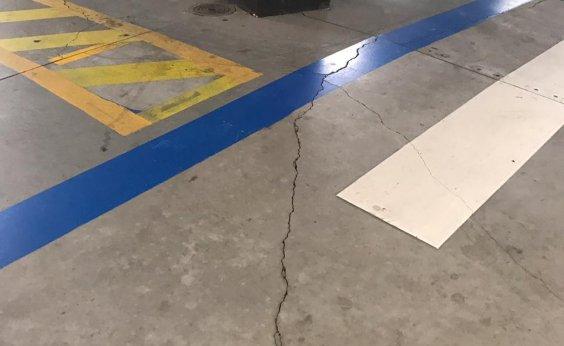 [Vídeo mostra rachaduras em estacionamento do Shopping Paralela; veja]
