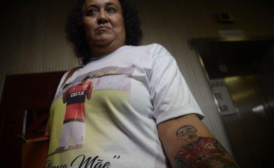 [Famílias recusam proposta do Flamengo]