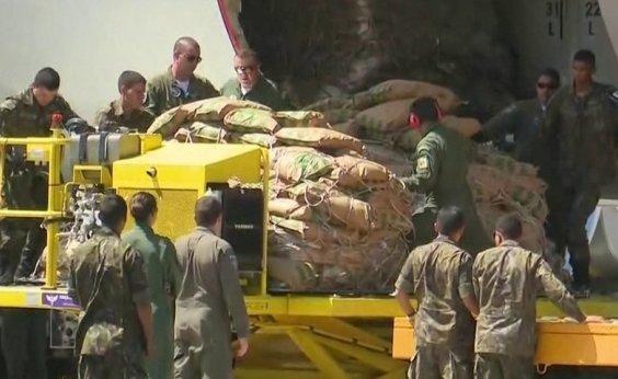 [Avião com ajuda humanitária para a Venezuela chega em Roraima]