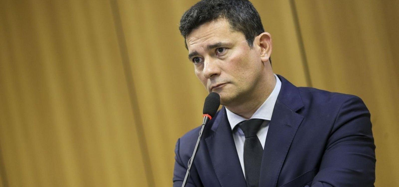 [Moro diz que suspeitas sobre candidaturas 'laranja' do PSL 'têm que ser apuradas']