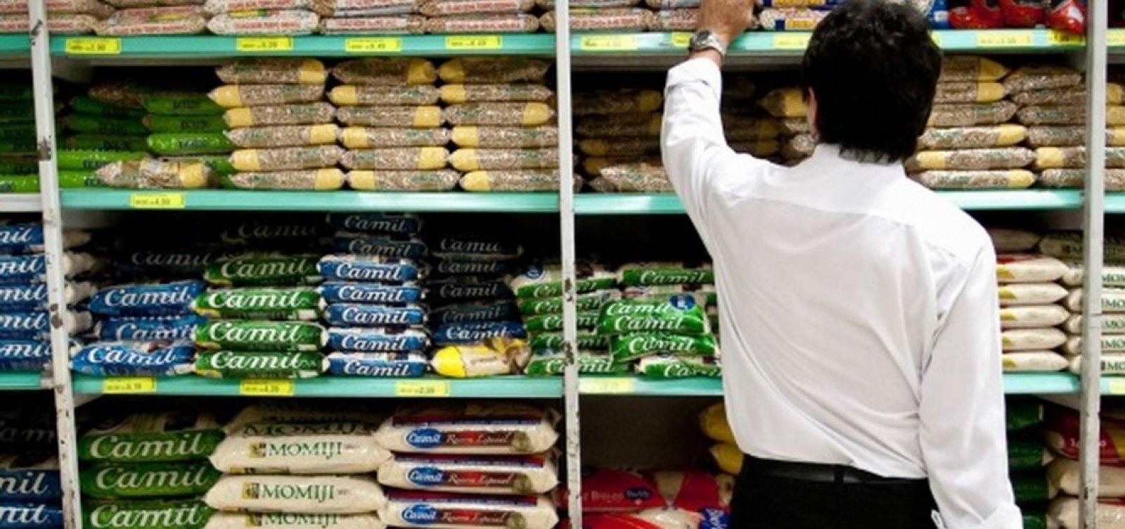 [Inflação oficial sobe em fevereiro puxada por alimentação e educação]