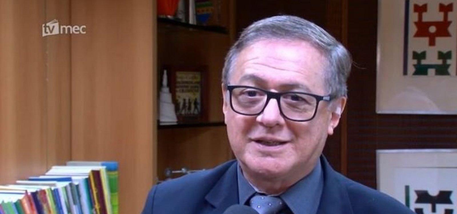[Aliados de Olavo de Carvalho tentam impedir nomeação de novo número 2 do MEC, diz coluna]