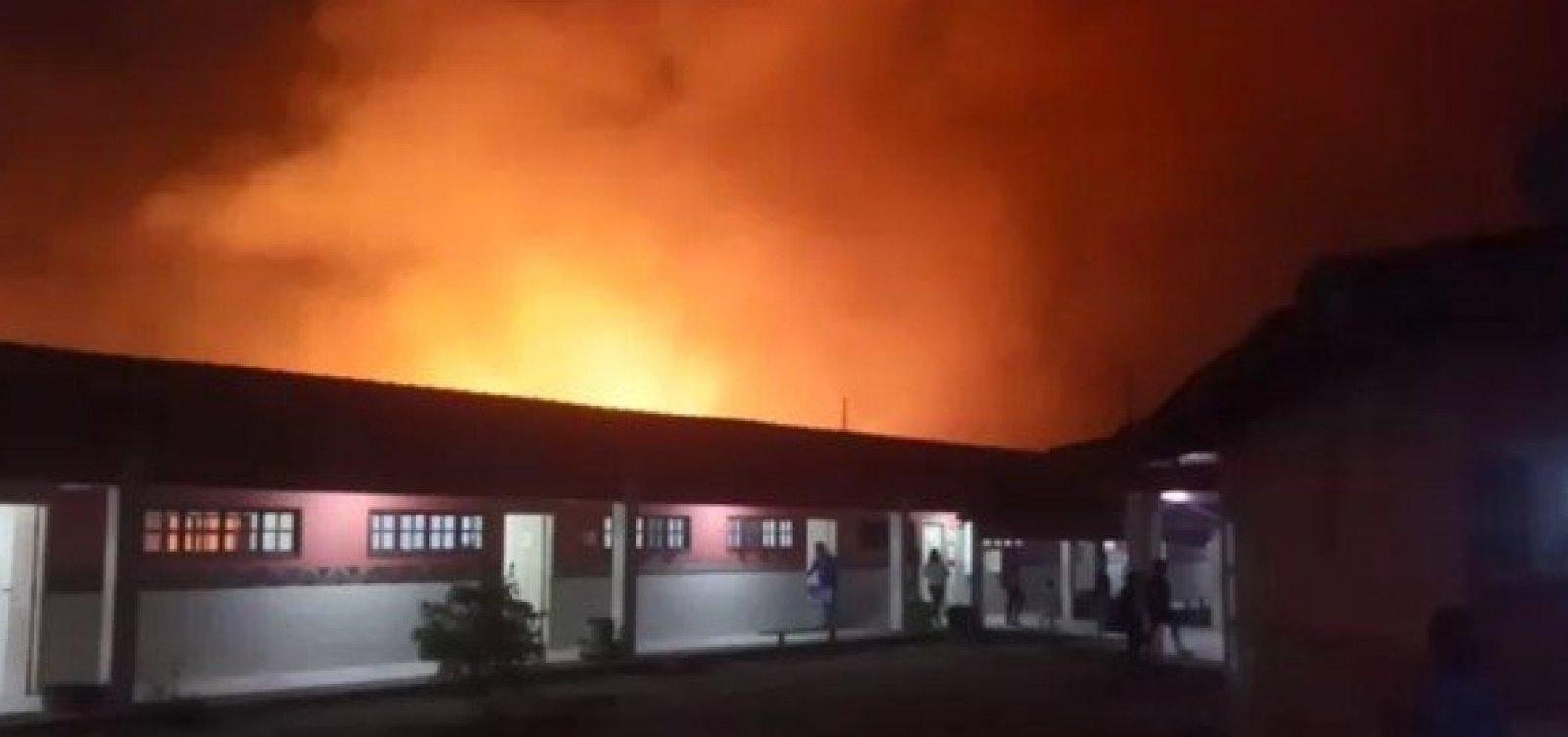 [Incêndio de grandes proporções atinge vegetação de aldeia indígena no sul da BA]