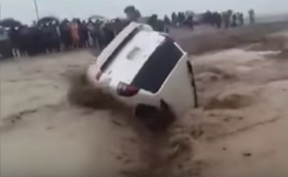[Ciclone deixa mais de 130 mortos em Moçambique e no Zimbábue]