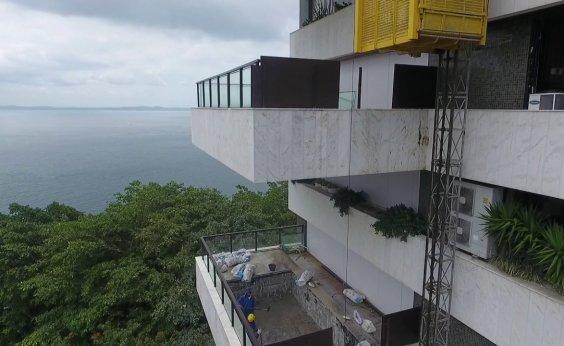 [Queda de elevador mata duas pessoas em prédio no Corredor da Vitória]