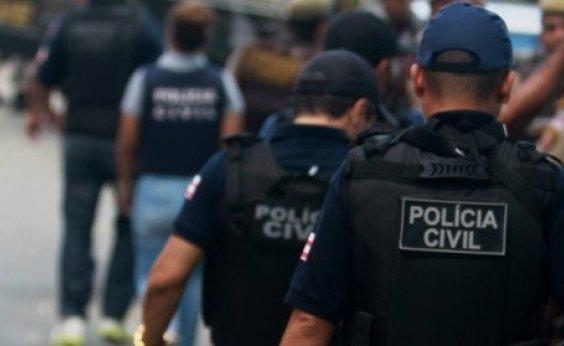 [Policiais civis reduzem atividade em protesto ao atraso salarial]