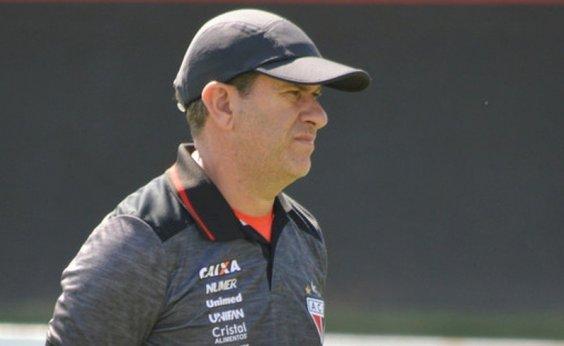 [Vitória anuncia Cláudio Tencati como novo treinador]