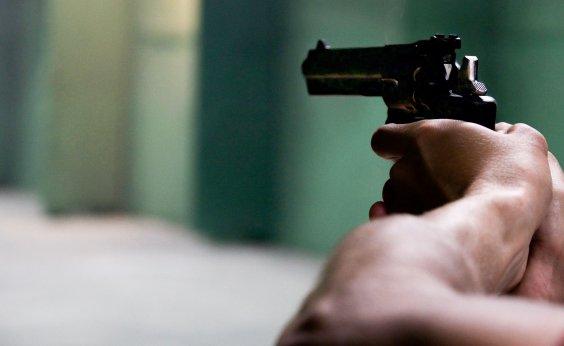 [A cada 60 minutos, uma criança ou adolescente morre por arma de fogo]