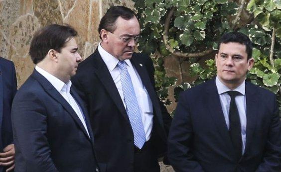 [Rodrigo Maia e Moro entram em rota de colisão: 'Funcionário de Bolsonaro']