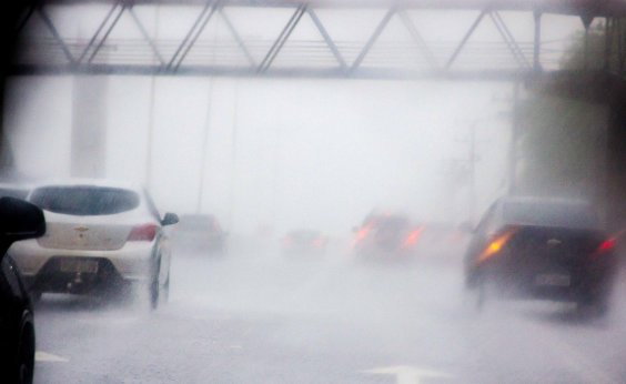 [Ciclone tropical em alto-mar pode causar mau tempo e ventos fortes na Bahia]