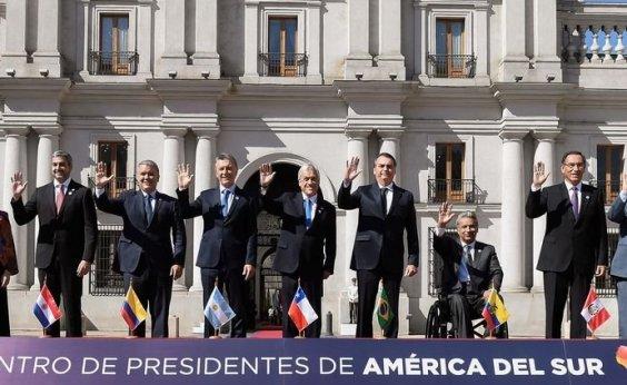 [Líderes sul-americanos assinam documento para criação do Prosul]