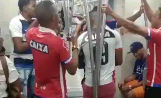 [Torcedores do Bahia 'zoam' torcedor do Vitória no metrô; assista]