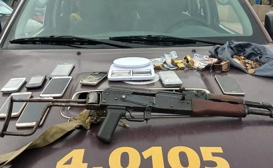 [Rondesp apreende fuzil fabricado na Rússia no bairro do Jardim das Margaridas]