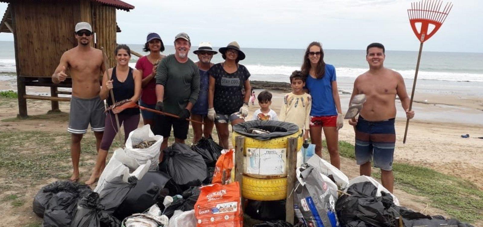 [Você Repórter: vizinhos se juntam para limpar praia em Lauro de Freitas]