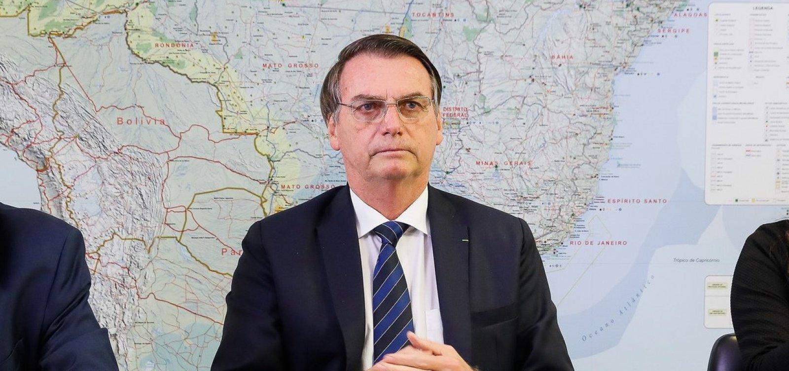 [Governo estuda mudança na tributação das empresas, diz Bolsonaro ]