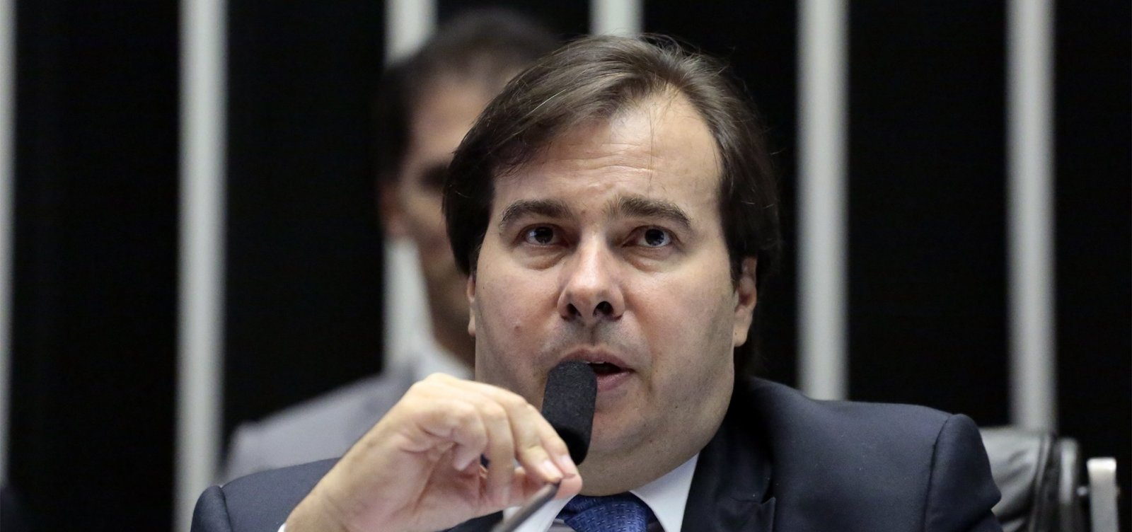 [Maia diz que Bolsonaro precisa convencer partidos indecisos sobre reforma da Previdência]