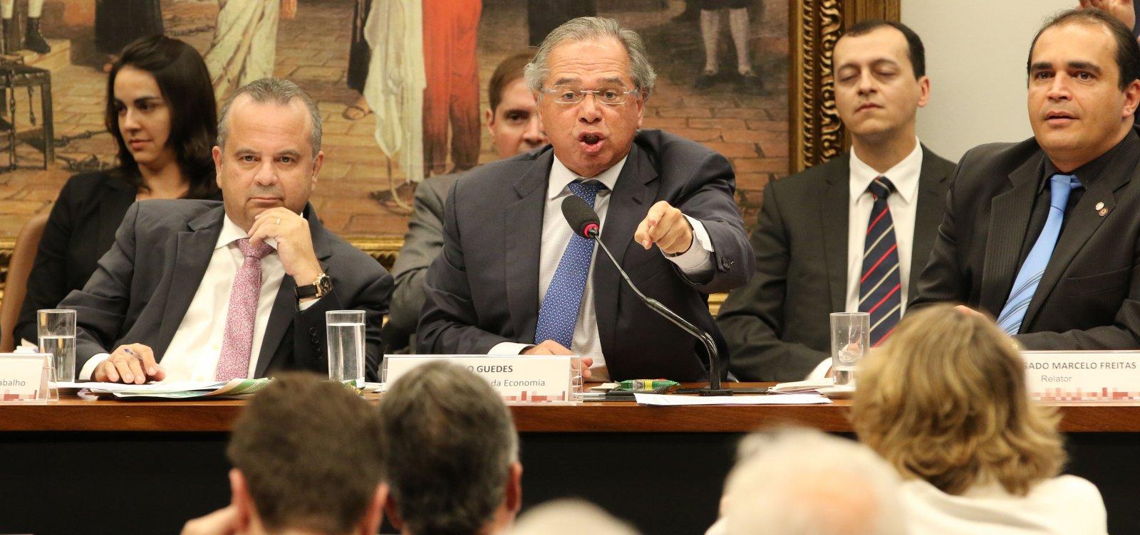[Guedes deixa sessão na CCJ após ser chamado de 'tchutchuca' por deputado; veja vídeo]