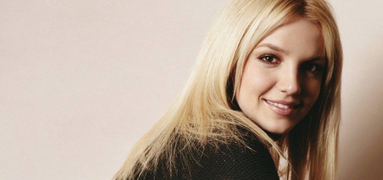 [Britney Spears é internada em clínica de saúde mental, diz site]