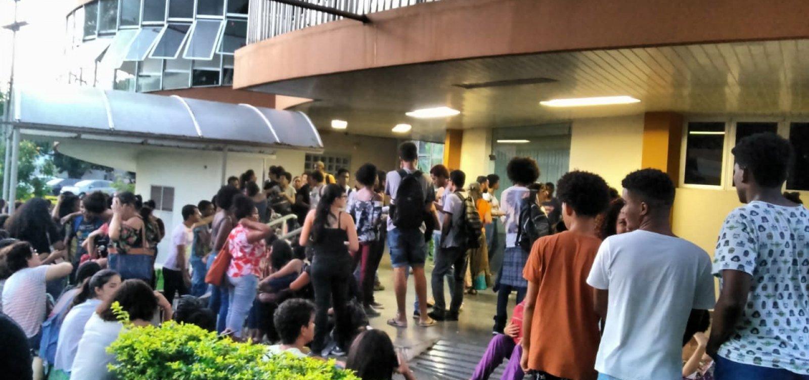 [Com reitoria da Uneb ocupada, professores de universidades estaduais podem aprovar greve hoje]