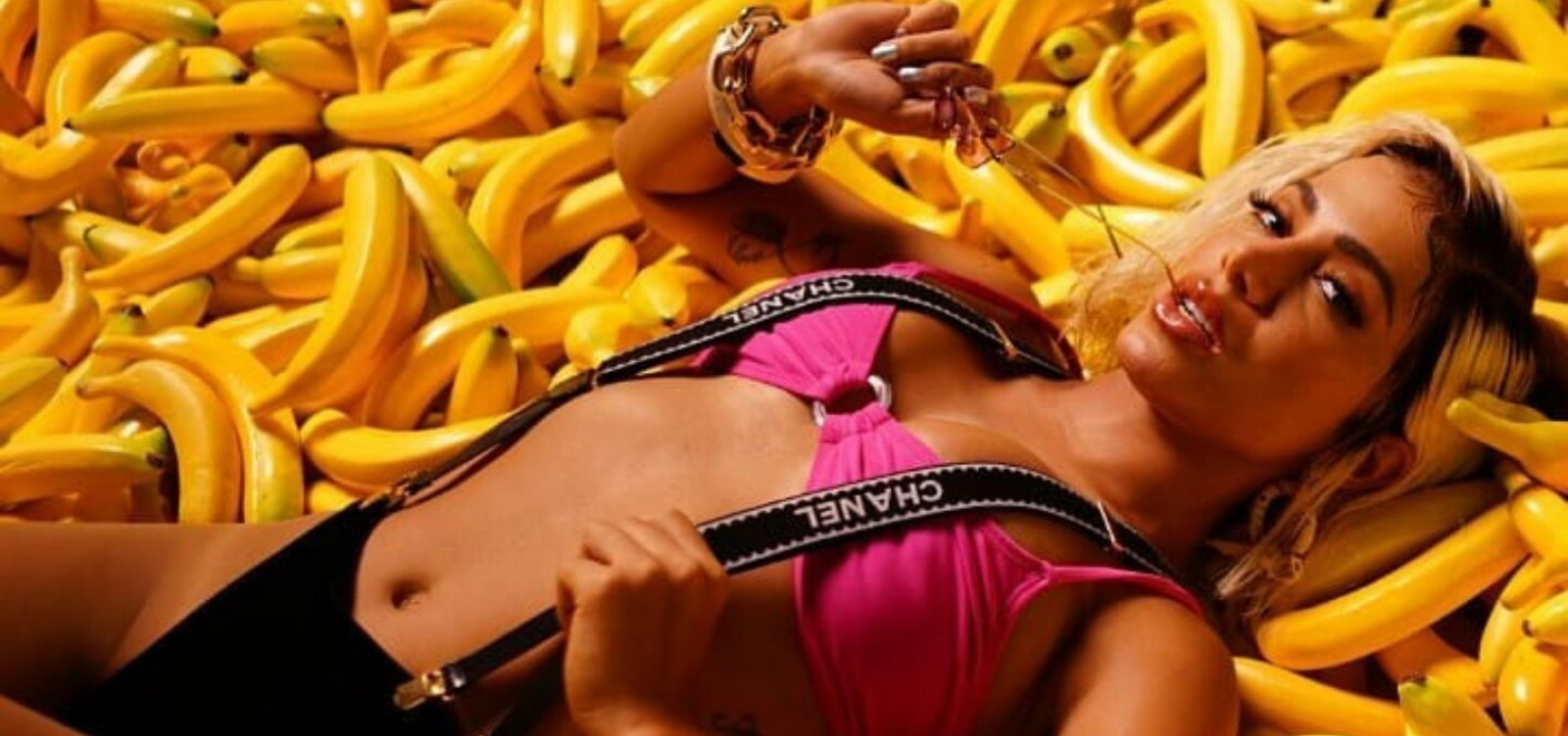 [Metrópole ouviu CD novo de Anitta que vazou; ela brilha, mas não empolga]