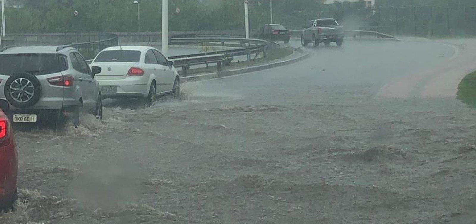 [Salvador tem previsão de chuvas e risco de alagamentos no final de semana]