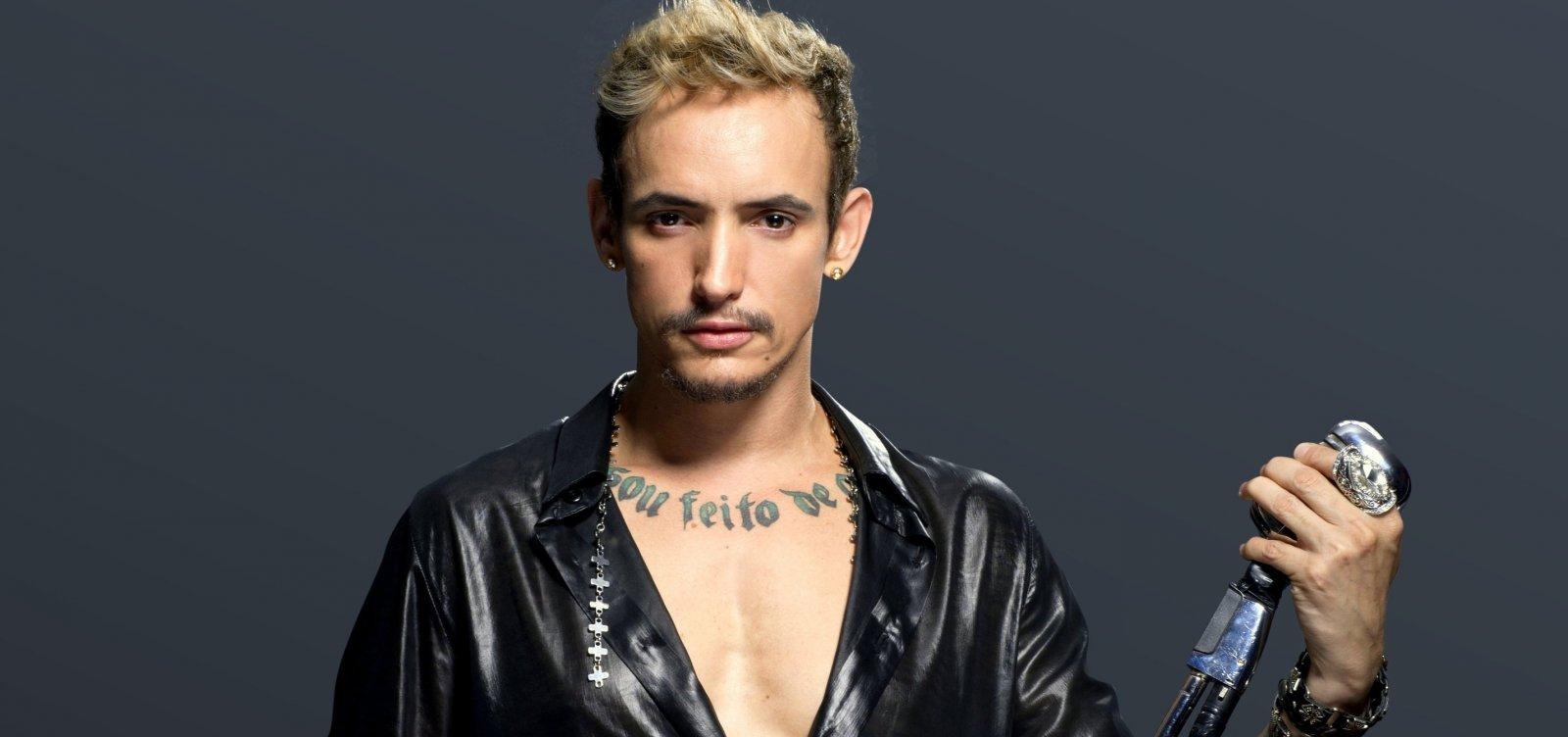[Cantor Ricky Vallen faz show intimista em Salvador]