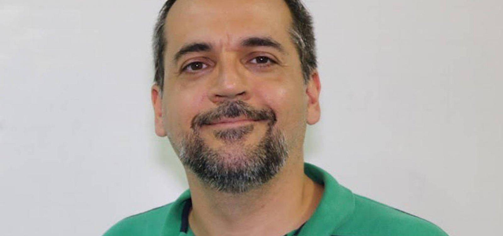 [Após anunciar como doutor, Bolsonaro corrige formação do novo Ministro da Educação]