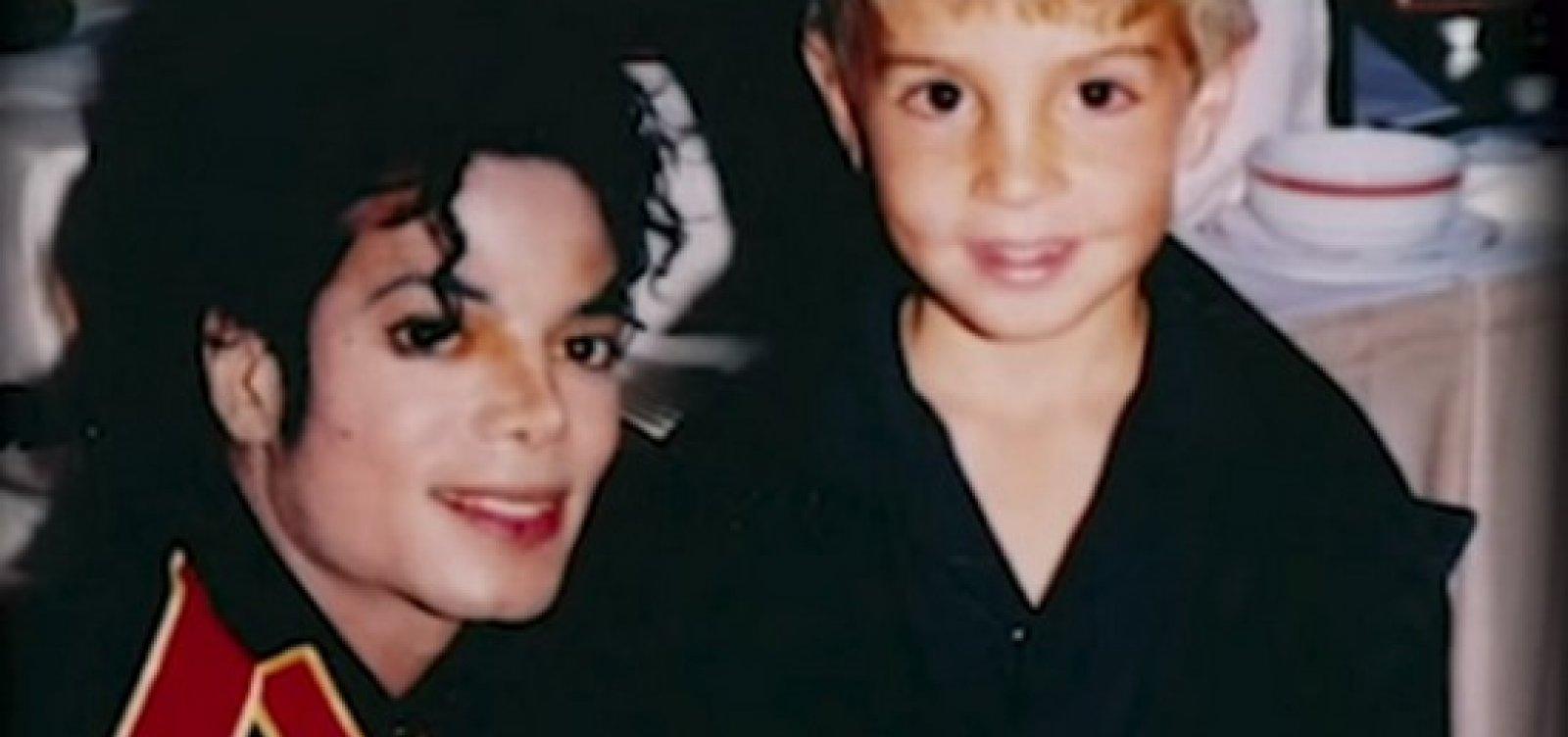 [Família de Michael Jackson cria próprio documentário para rebater acusações de pedofilia]