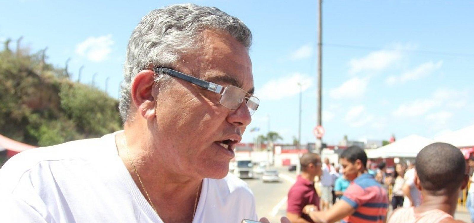 ['Saem as crianças e chegam os homens', diz Paulo Carneiro sobre eleição no Vitória]