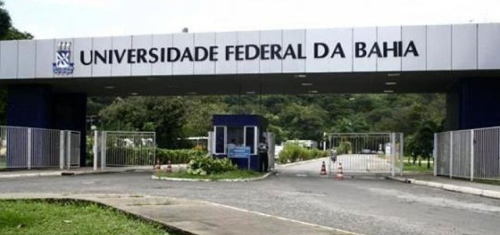 [Universidades baianas perdem 786 cargos após decreto de Bolsonaro]