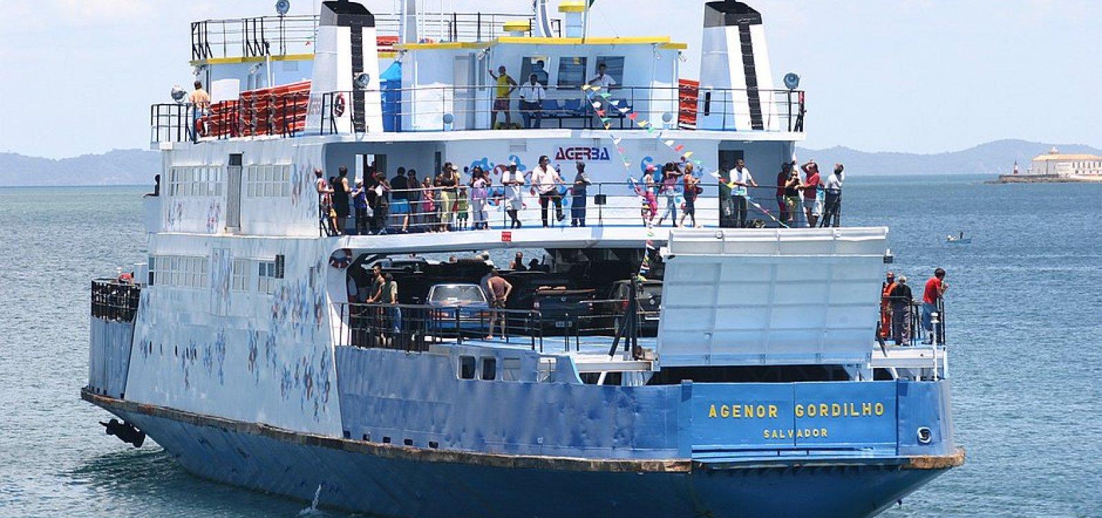 [Ferry boat será afundado no mar do Corredor da Vitória, anuncia secretário]