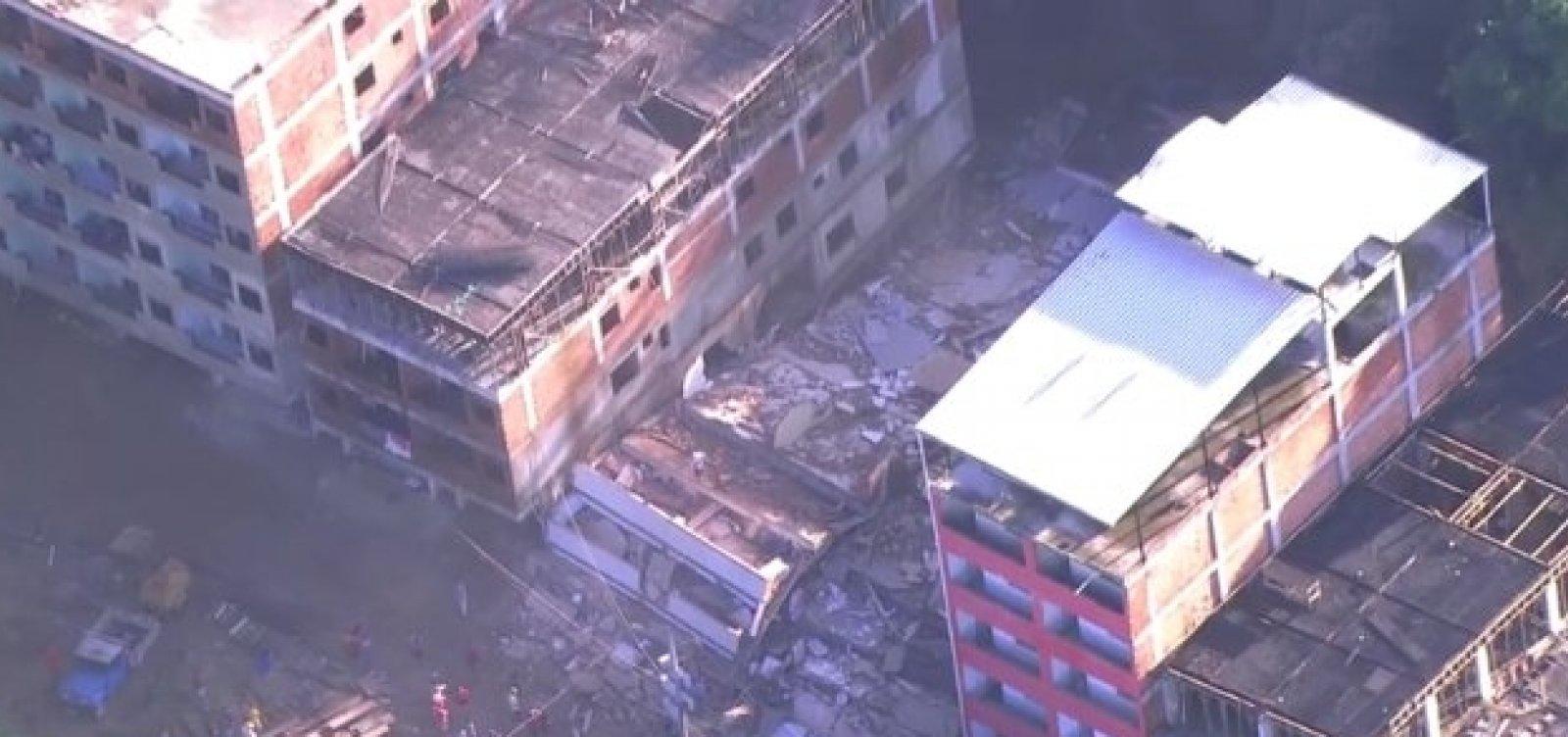 [Duas pessoas morrem em desabamento no Rio de Janeiro]