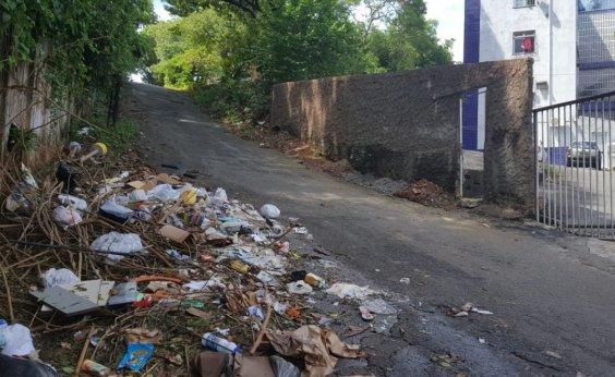 [Moradores denunciam descarte de lixo a céu aberto no Engenho Velho de Brotas]