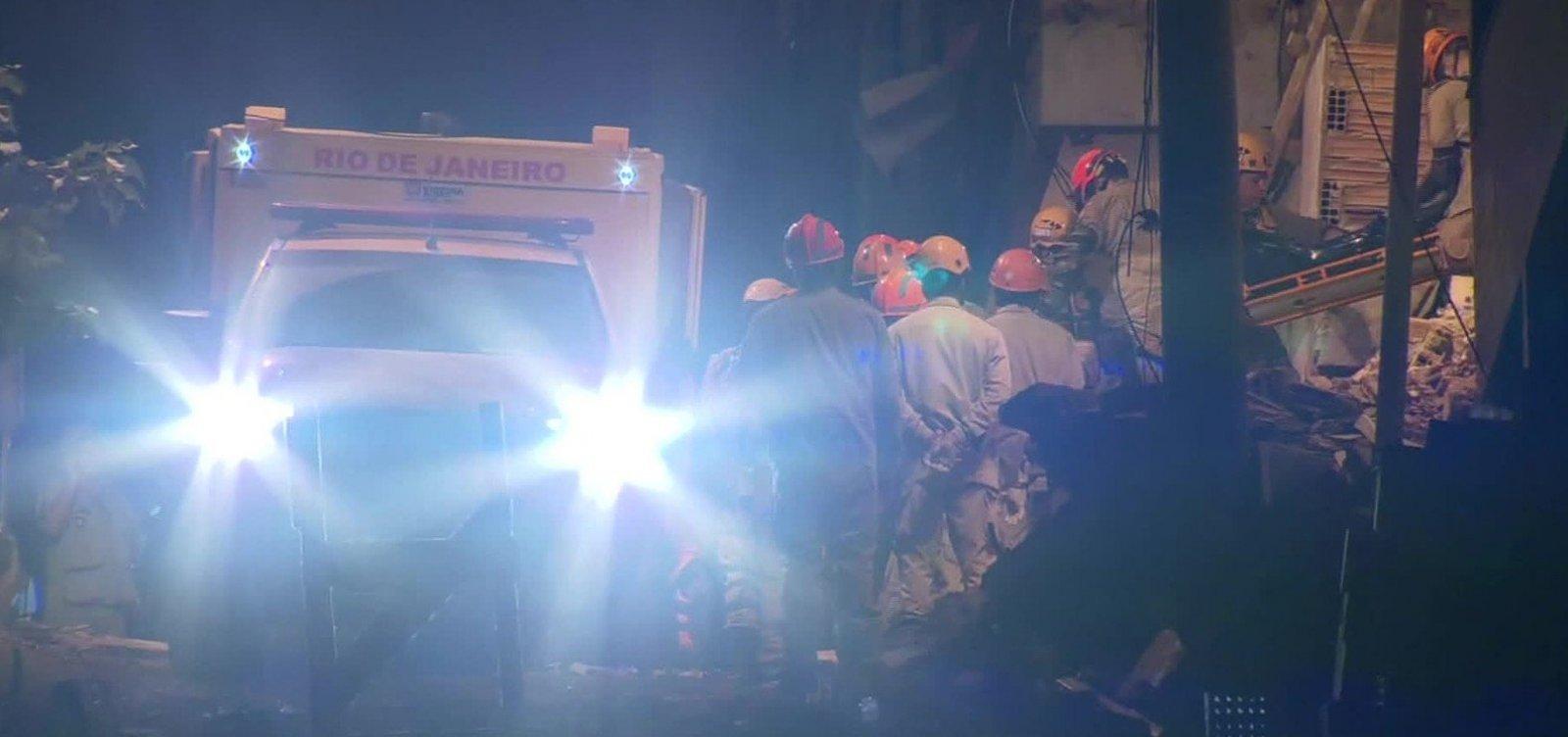 [Sobe para 9 o número de mortos em desabamento no RJ; 15 estão desaparecidos]