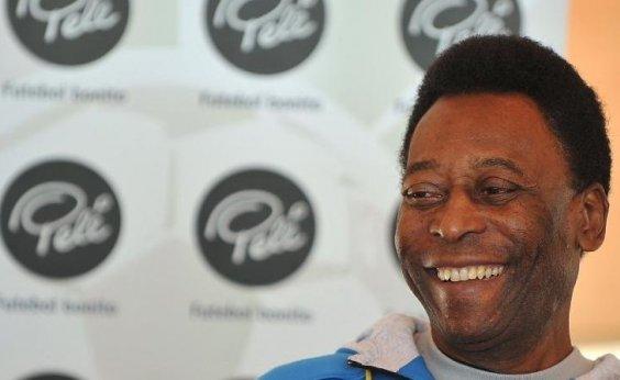 [Pelé apresenta evolução satisfatória após cirurgia, diz boletim médico]