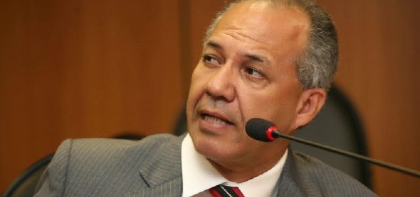[Carlos Geilson critica pré-candidatura de Zé Neto a prefeito de Feira]