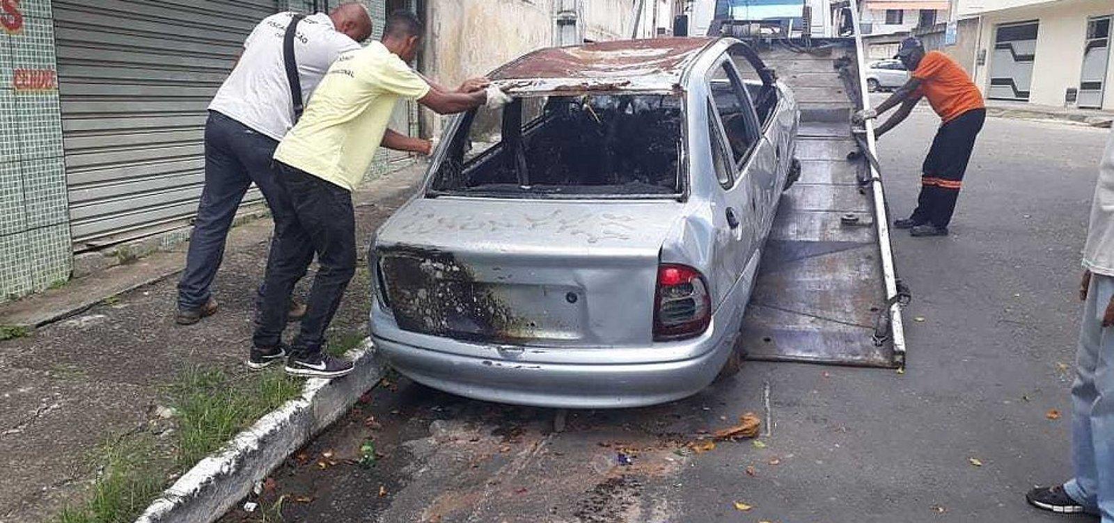 [Prefeitura retira, em média, 35 sucatas nas ruas de Salvador a cada semana]