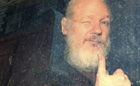 [Equador sofre 40 milhões de ciberataques após prisão de Assange]