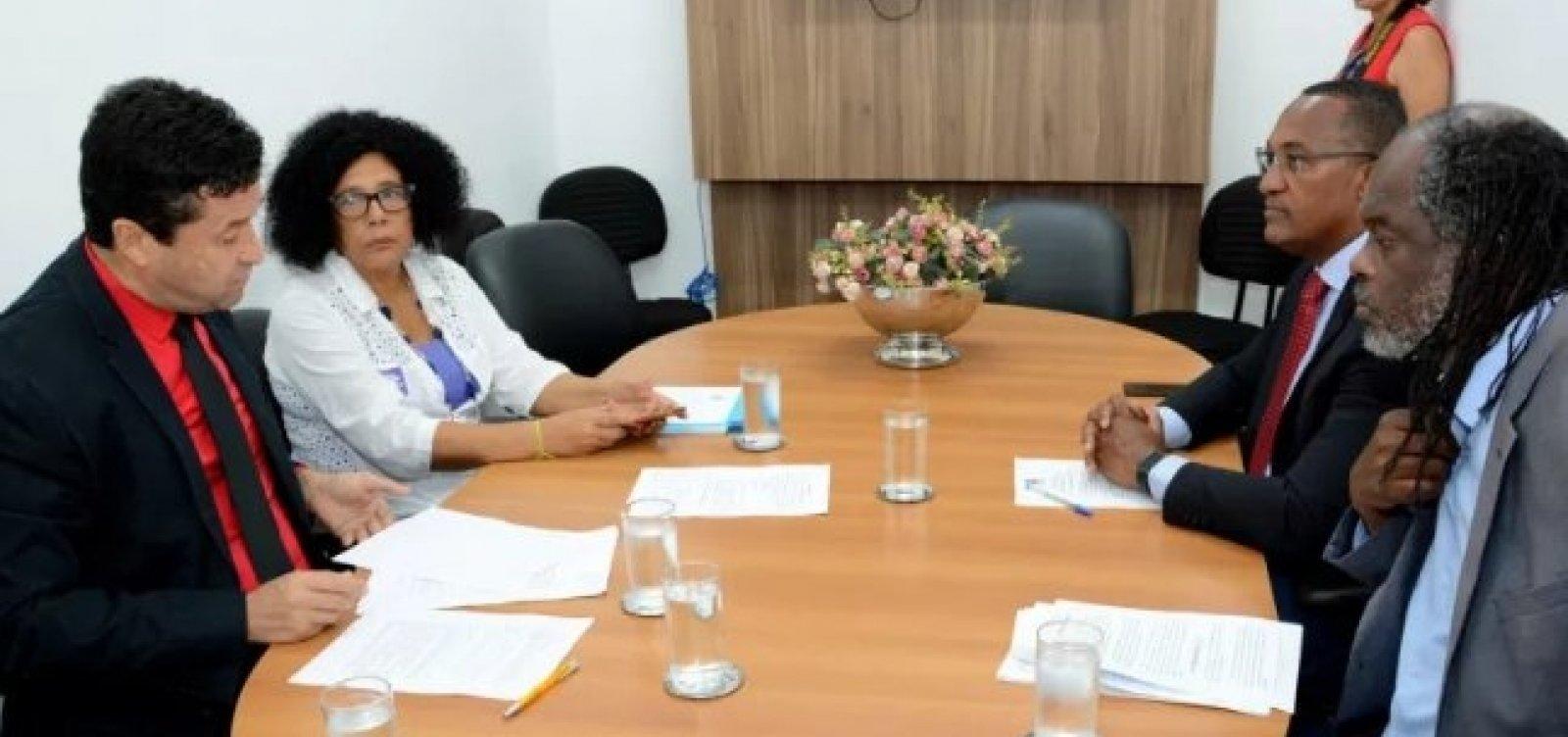 [Parecer na Comissão de Educação rejeita projeto contra ideologia de gênero em Salvador]
