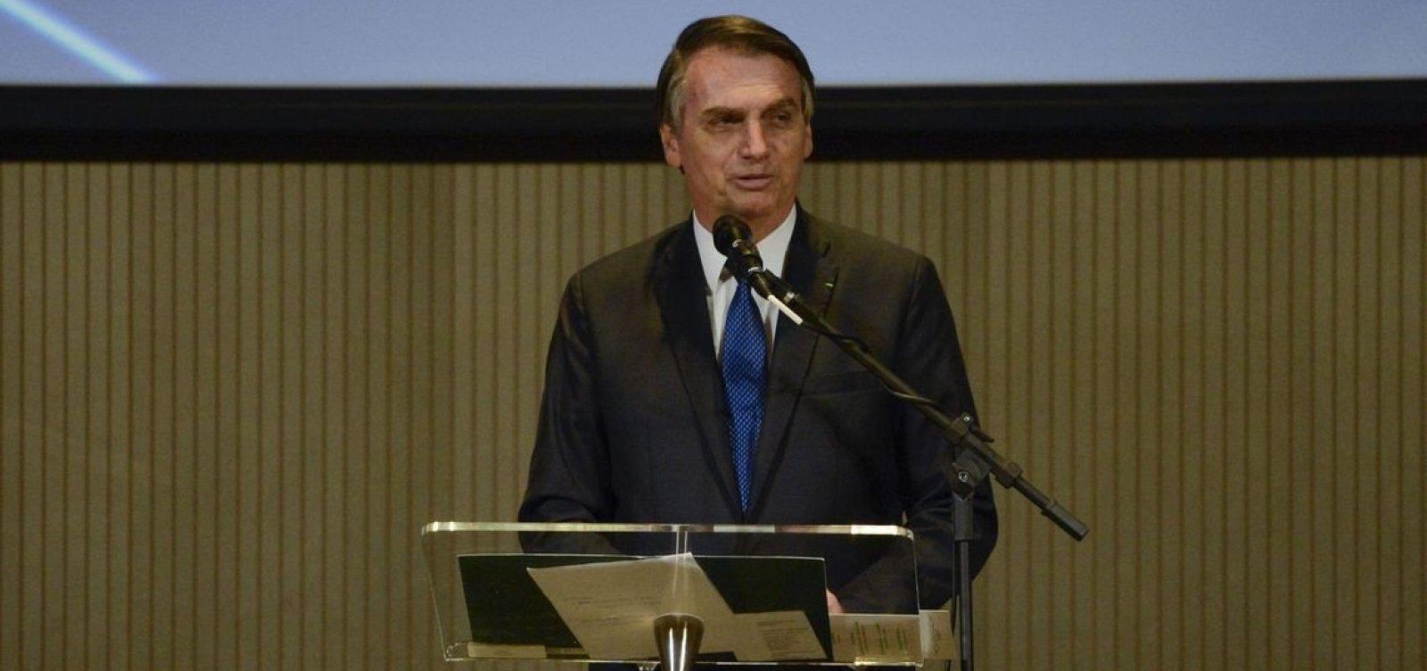 ['Exército respira e transpira democracia e liberdade', diz Bolsonaro]