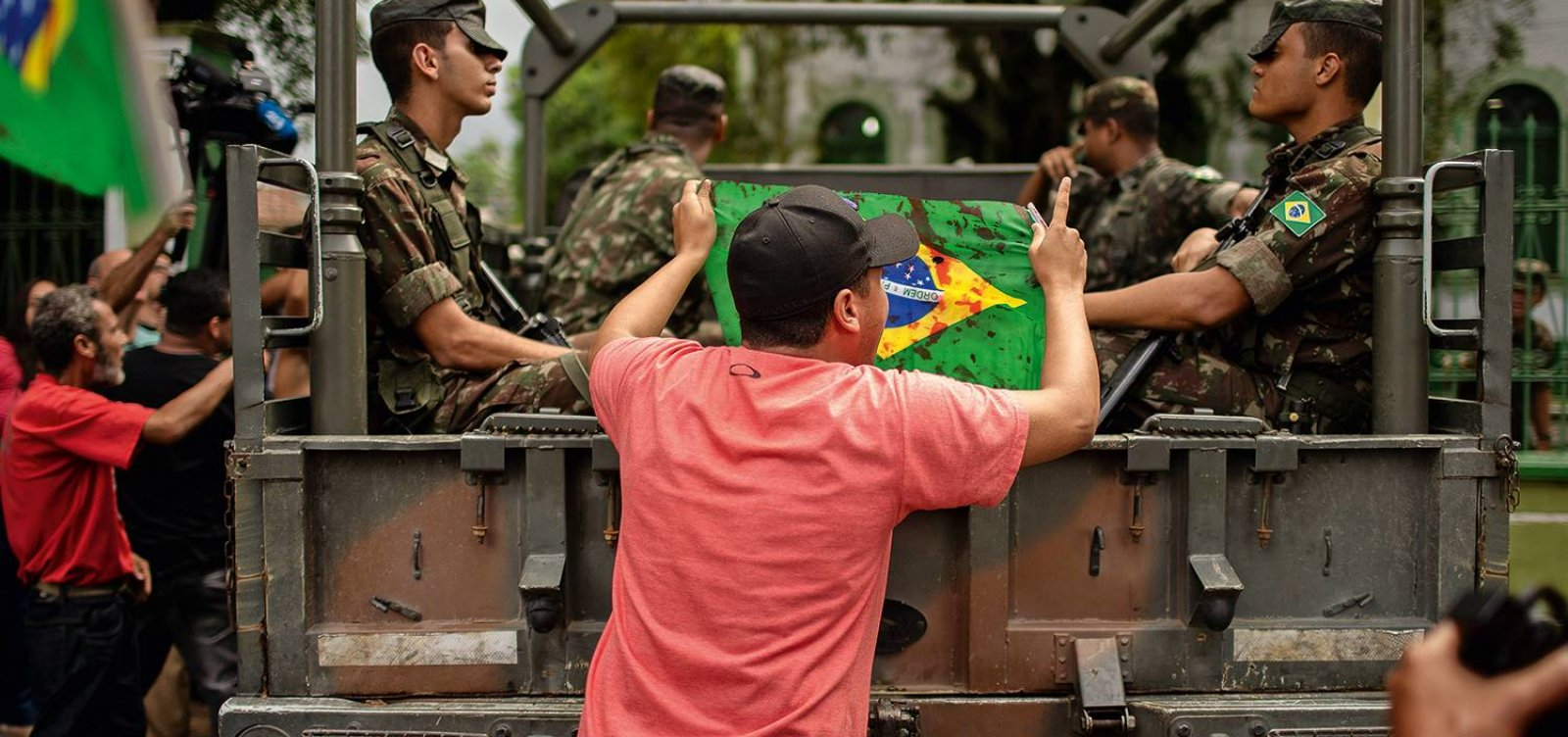 [Advogado de militares que mataram músico será condecorado pelo governo Bolsonaro]