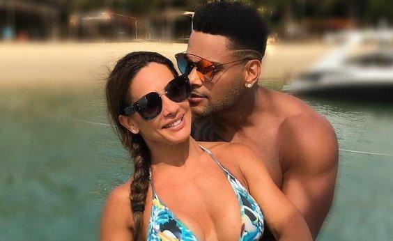 [Scheila Carvalho celebra 12 anos de casamento com Tony Salles: 'Te amo, minha vida!']