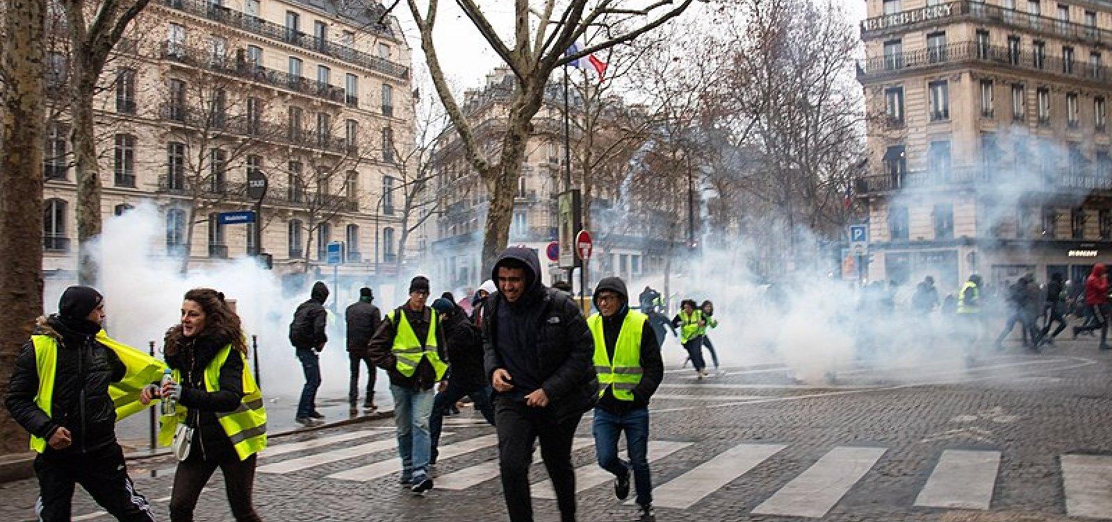 [Coletes Amarelos são proibidos de protestar na área da Notre-Dame]