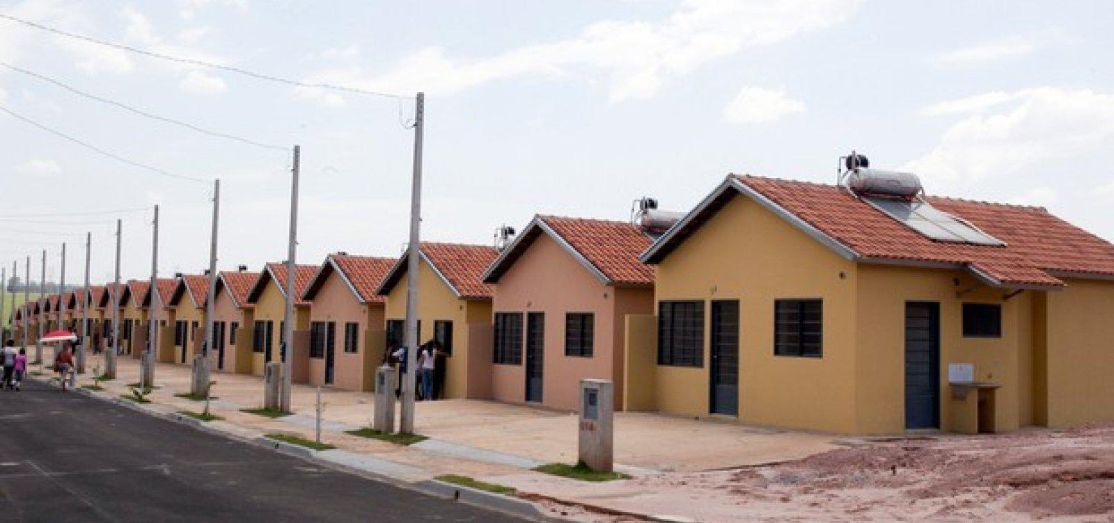 [Após ameaças de paralisação, governo libera R$ 800 mi para Minha Casa Minha Vida]
