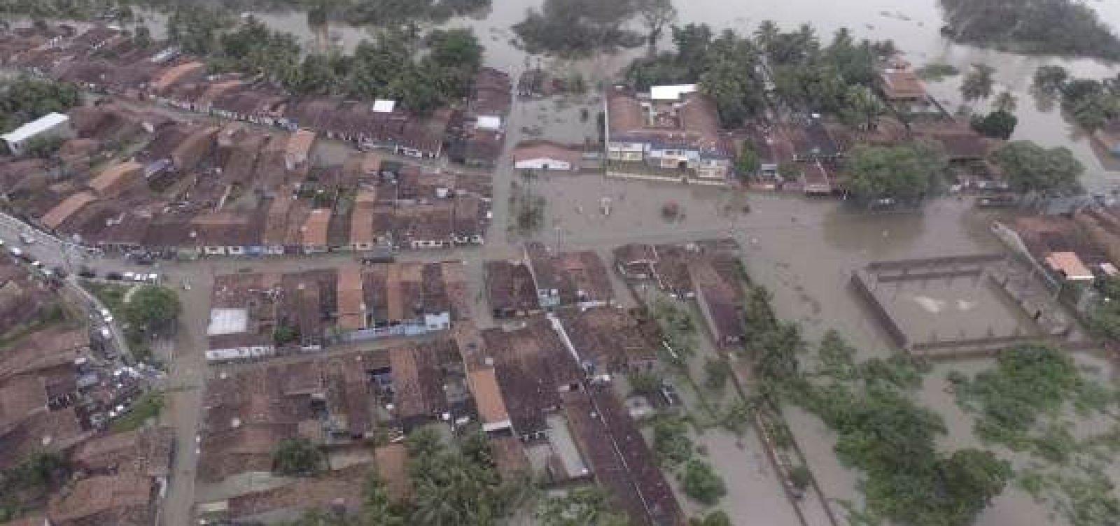 [Chuva deixa milhares de pessoas desabrigadas em parte do Nordeste ]