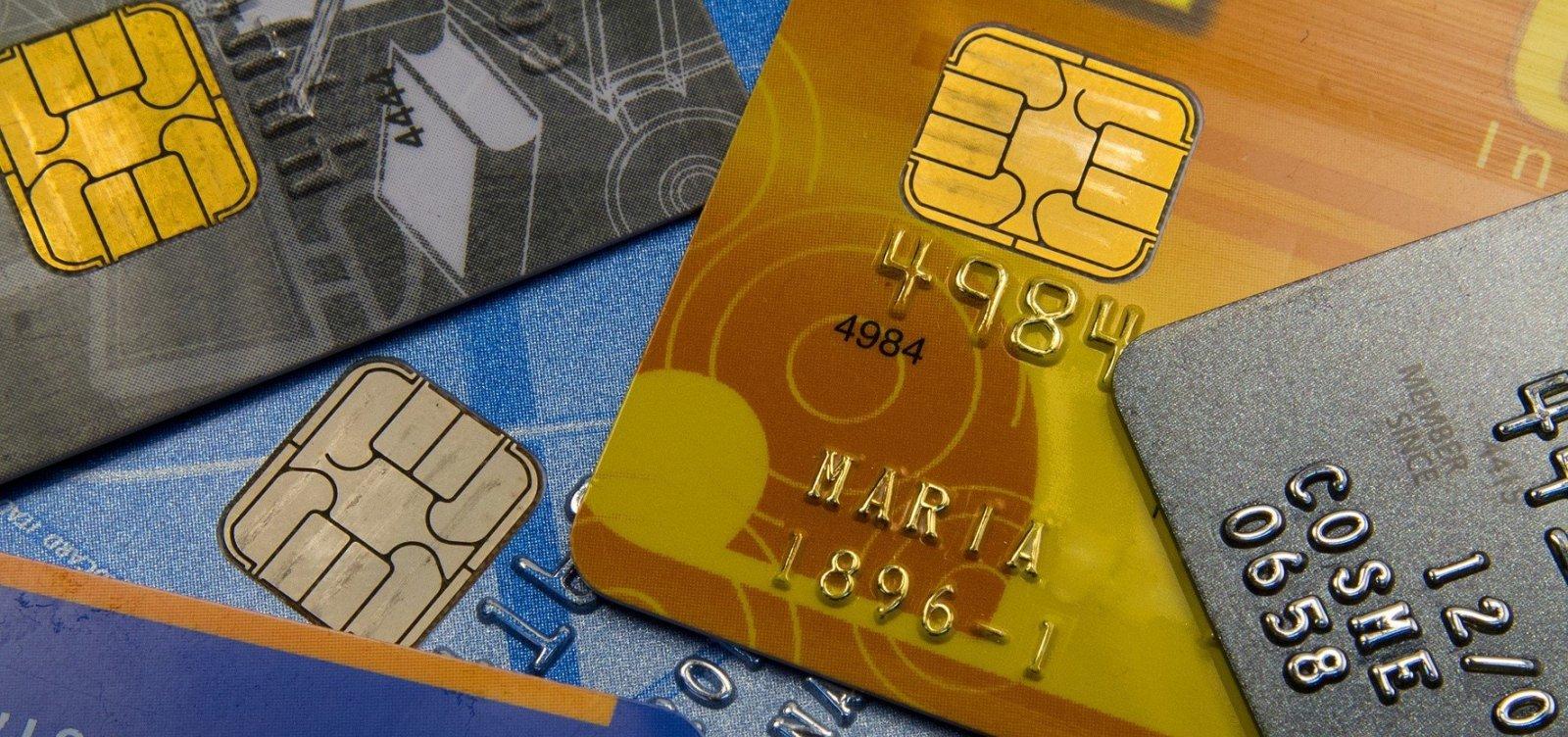 [De cada 4 usuários de cartão, 1 entrou no crédito rotativo, diz pesquisa]