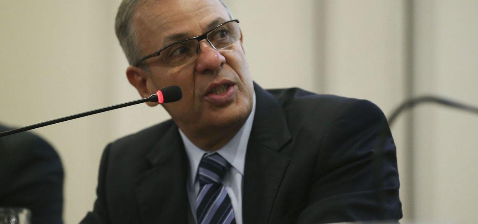[Ministério lança programa de estímulo à concorrência de combustíveis]