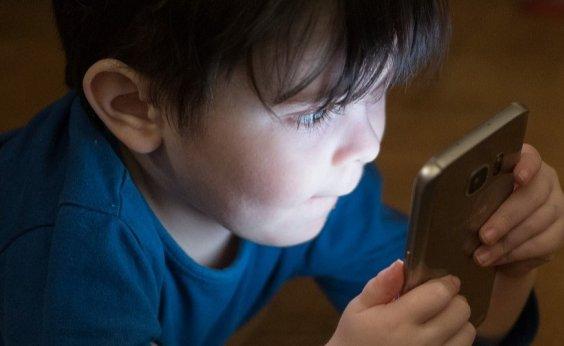 [OMS recomenda que crianças fiquem menos de 1h por dia usando telas]