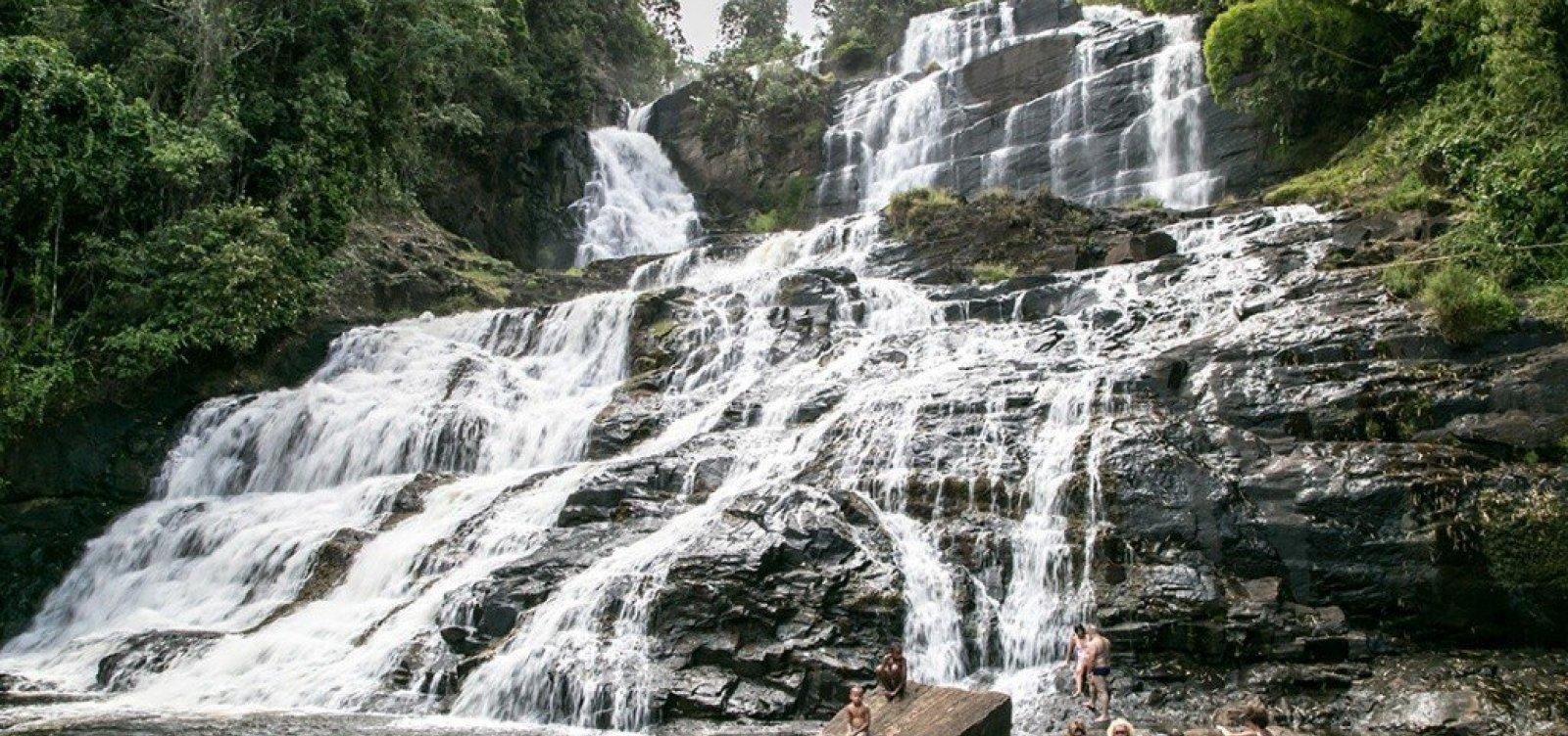 [Pancada Grande: maior cachoeira do litoral baiano te convida a desviar o caminho]