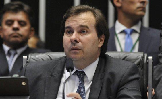 [Maia questiona crítica do governo à velha política: 'Escolher relator não é toma lá dá cá?']